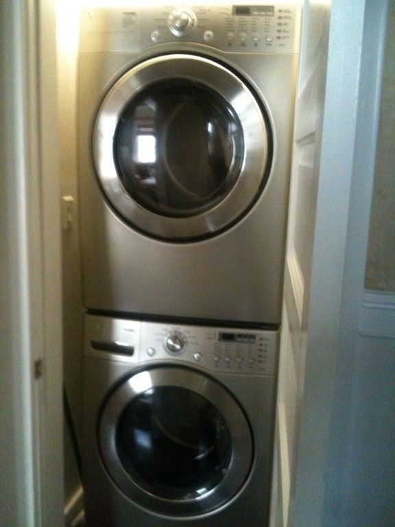 Huge top of the line washer and gas dryer in unit - convenience!!!