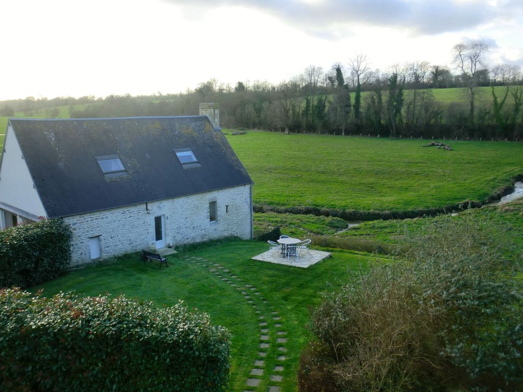 Holiday house, close to the beach, Saint-vaast-sur-seulles, Basse-Normandie
