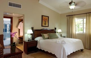 Puerto Plata villa photo - Elegant bedroom with en-suite full bath