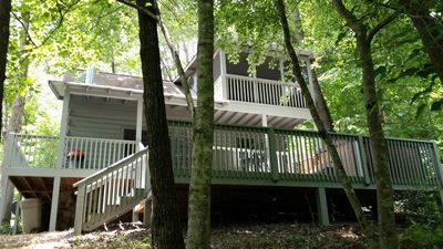 Relax on cabins 3 porches.