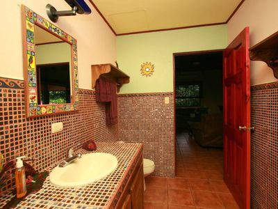Manuel Antonio villa rental - One of the upstairs bathrooms