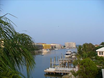 Luxury Waterfront, 3 BR/3+ BA, Views, Walk to All, Pool & Hot Tub