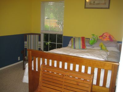 Guest Room (The Beach Room). Bright and cheery.. just like the beach.