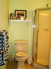 Brigantine condo photo - Hall Bathroom