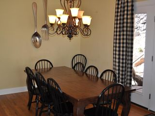 Lake Harmony house photo - Large dining room table.