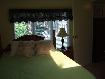 Virginia Beach cottage rental - master bedroom