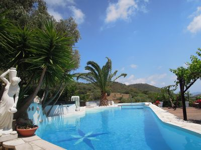 Villa,heated Pool with Waterfall.SPA-Hot Tub Sea View quiet Olivepine 1ha