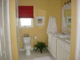 Charleston condo photo - Bath
