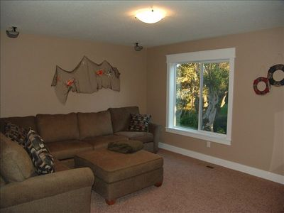 Lincoln City house rental - Media room: surround sound, sleeper sofa