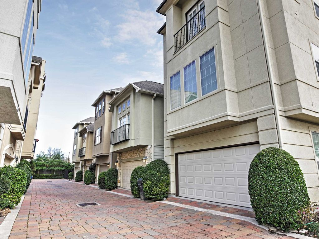 New 3br houston townhouse minutes from vrbo for 2 bedroom townhomes in houston