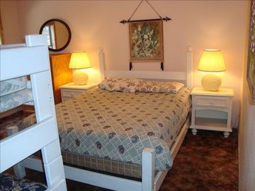 Queen size bed with bunkbed
