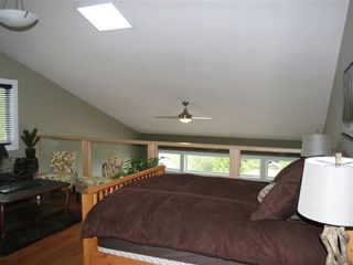 Shuswap Lake townhome photo - open loft with lounge with queen size bed