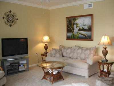 View,  tv, stereo - sofa & chair w/ith 2 recliners - New Paint & Crown Molding