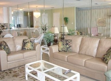 Light & Bright Family Room with Sleeper Sofa