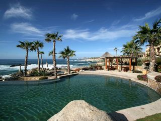 Cabo San Lucas villa photo - Lagoon-style pool seems to flow into the ocean
