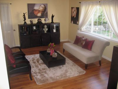 Agoura Hills townhome rental - Living Room