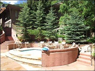 Aspen townhome photo - Large Hot Tub