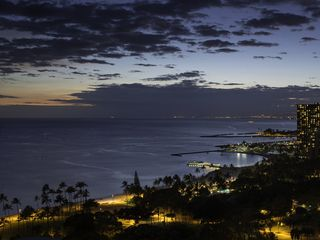Honolulu condo photo - Twilight sky from Trump Waikiki 2503