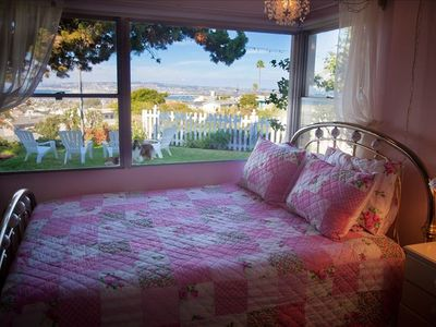 Point Loma house rental - Rose Bedroom with Brass Queen Size bed. Room also has Twin Bed with trundle bed.