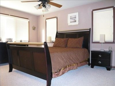 "Master Suite features 37"" LCD HDTV, iPod Dock, Private Bath & Large Whirpool Tub"