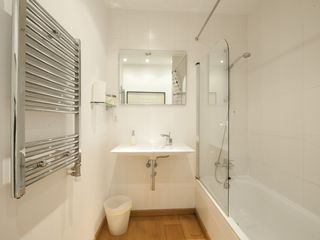 El Raval apartment photo - Bathroom of Second Double Bedroom