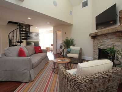 Luxury Rental steps away from the heart of Newport