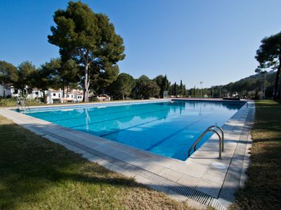In the residential area named Cala Nostra, terraced family house situated in the urbanizat