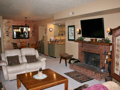 Main St/Town Lift, Pool, Hot Tubs, Best Location, Comfort, Service and Value!