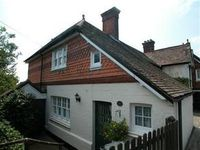 Well furnished cottage on the edge of Crowborough