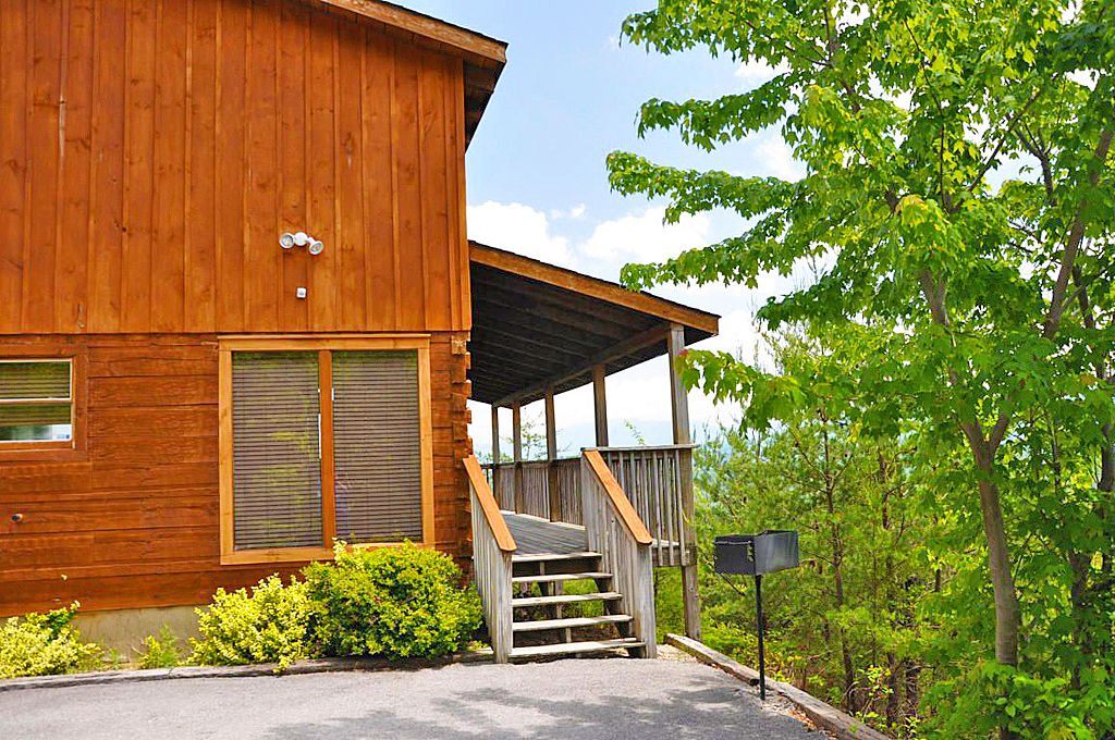 Best 1 bedroom in the smokies panoramic vrbo for Eagles view cabin sevierville tn
