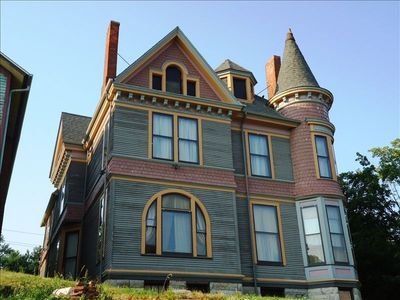 The House They Saved! 1894Mansion on the Miss. R. the Gold Coast of Davenport