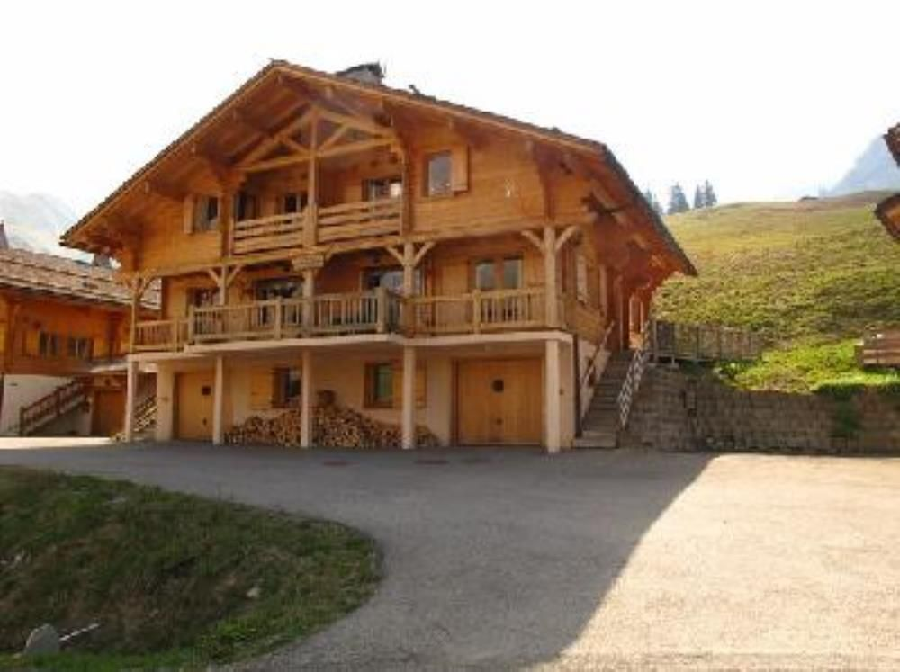 House, 300 square meters