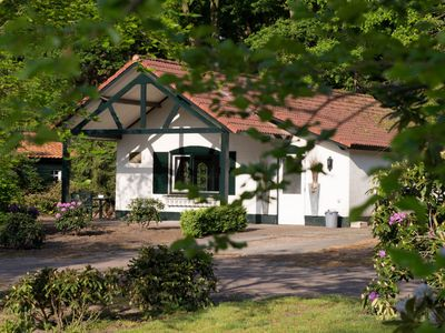 Charming and authentic holiday house in a holiday park in a beautiful area
