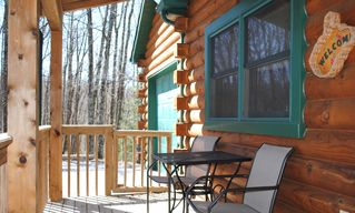 Pipestem cabin photo - Front porch