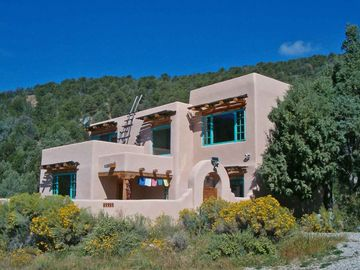 Taos house rental - 3BR Two Story custom house next to Carson Nat'l Forest