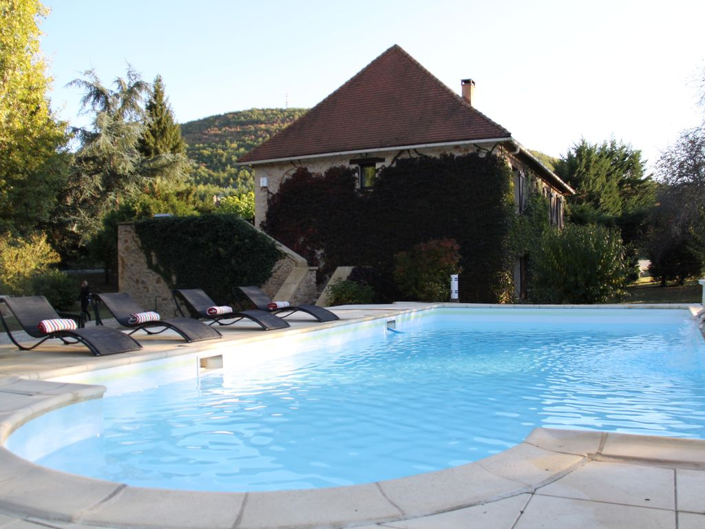 Air-conditioned accommodation, max 11 persons , Berbiguicres, France