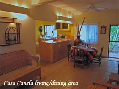 Casa Canela Living/Dining Area