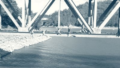 Vacationers jumping from Antlers bridge, at least 20 ft or so!