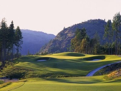 World Class Jack Nicklaus designed Golf Course is all yours... Can you imagine?