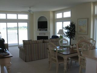 Crisfield condo photo - Expansive Living Area With Surround View