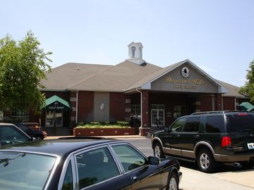 Thousand Hills Clubhouse & Golf Shop