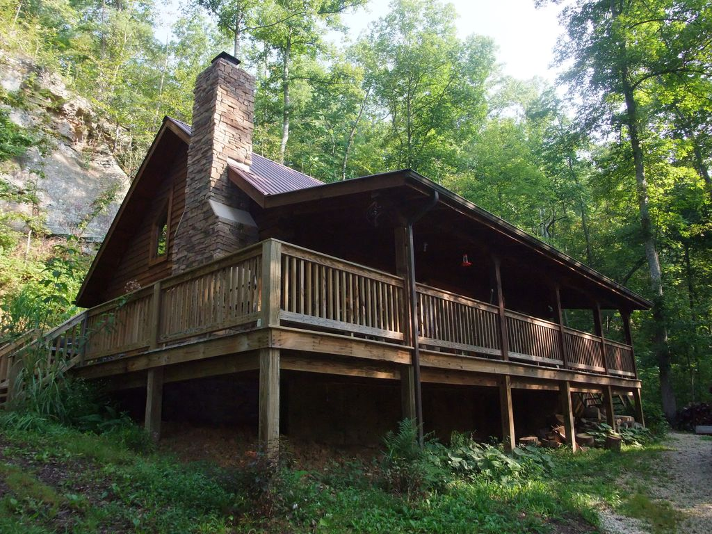 Slade vacation rental vrbo 3709363ha 2 br ky cabin for Big log cabin homes