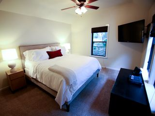 Austin townhome photo - Master Suite B with 46 inch 1080p HDTV. True comfort.