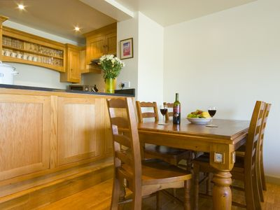 Spacious dining area & Oak kitchen
