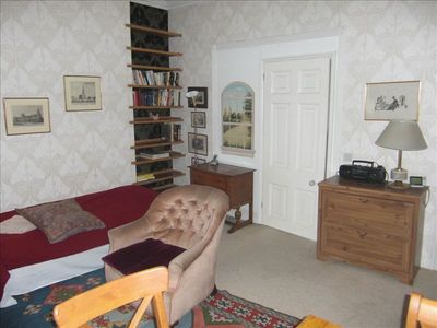 Studio Living Area..Apartment near British Library and British Museum