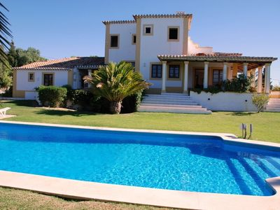 Peaceful and spacious property with loads of character and panoramic sea view