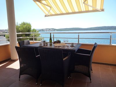 TROGIR - Spacious Apartment **** - Great Features - Top Location - Ocean View