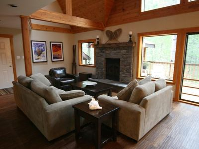 Wonderful Four Season Family Chalet with Private Hot Tub