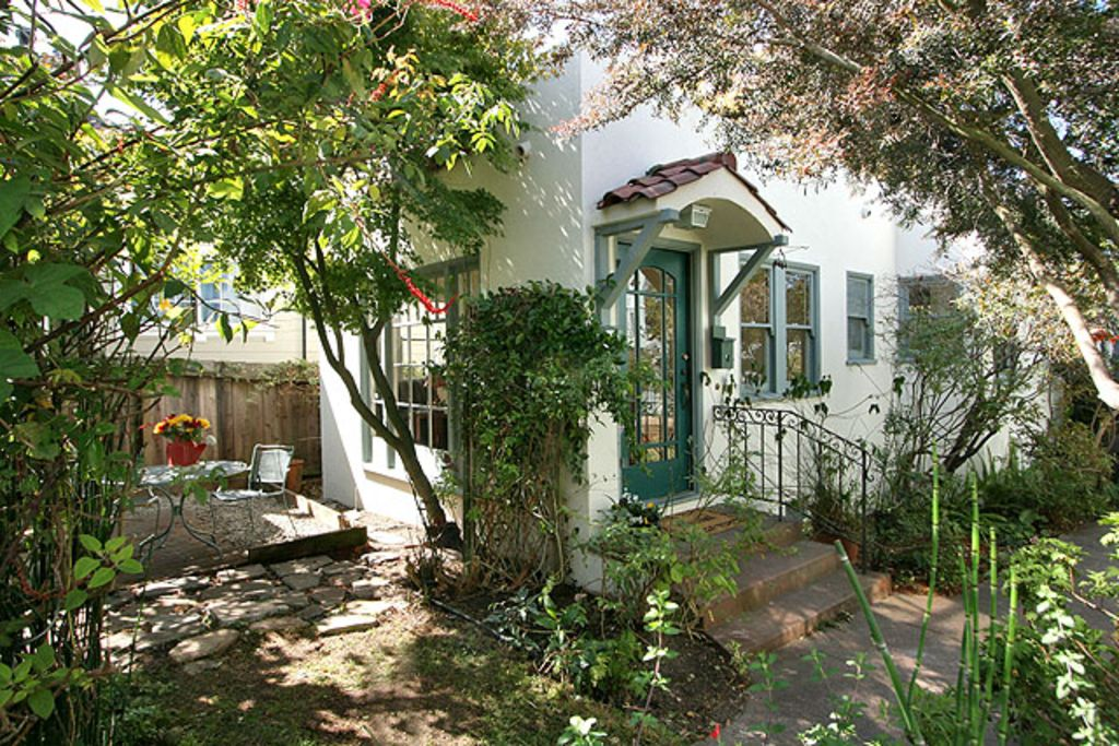 Garden Oasis In The Heart Of Berkeley Berkeley CA USA Rent By
