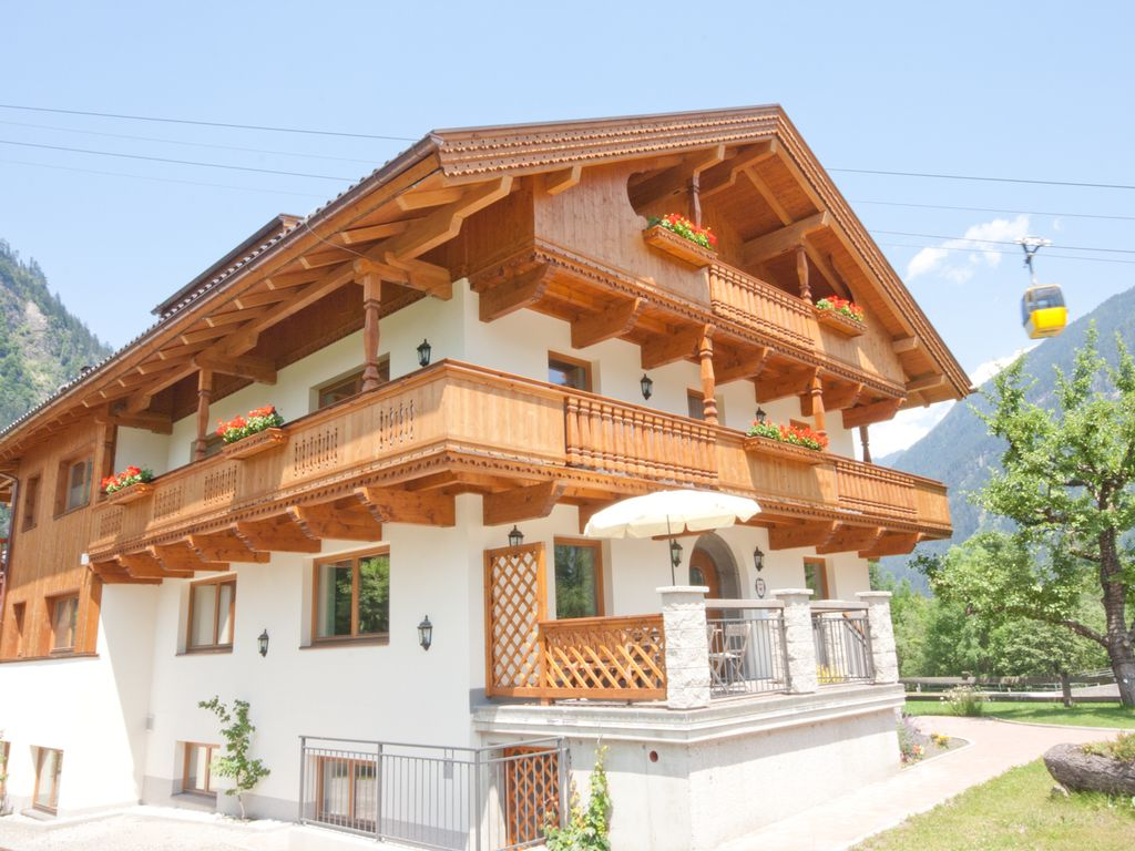 Peaceful house, 380 square meters , Mayrhofen